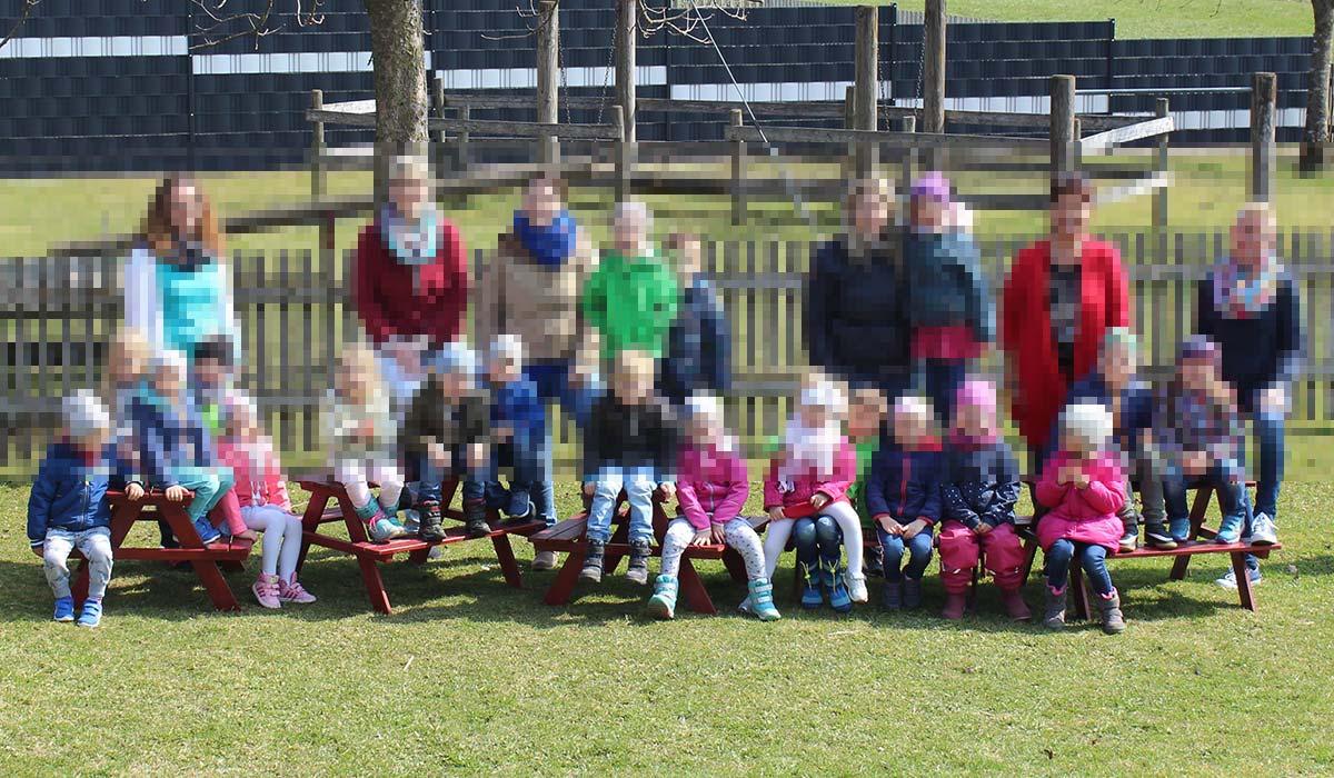 Baenke_Kindergarten_unscharf